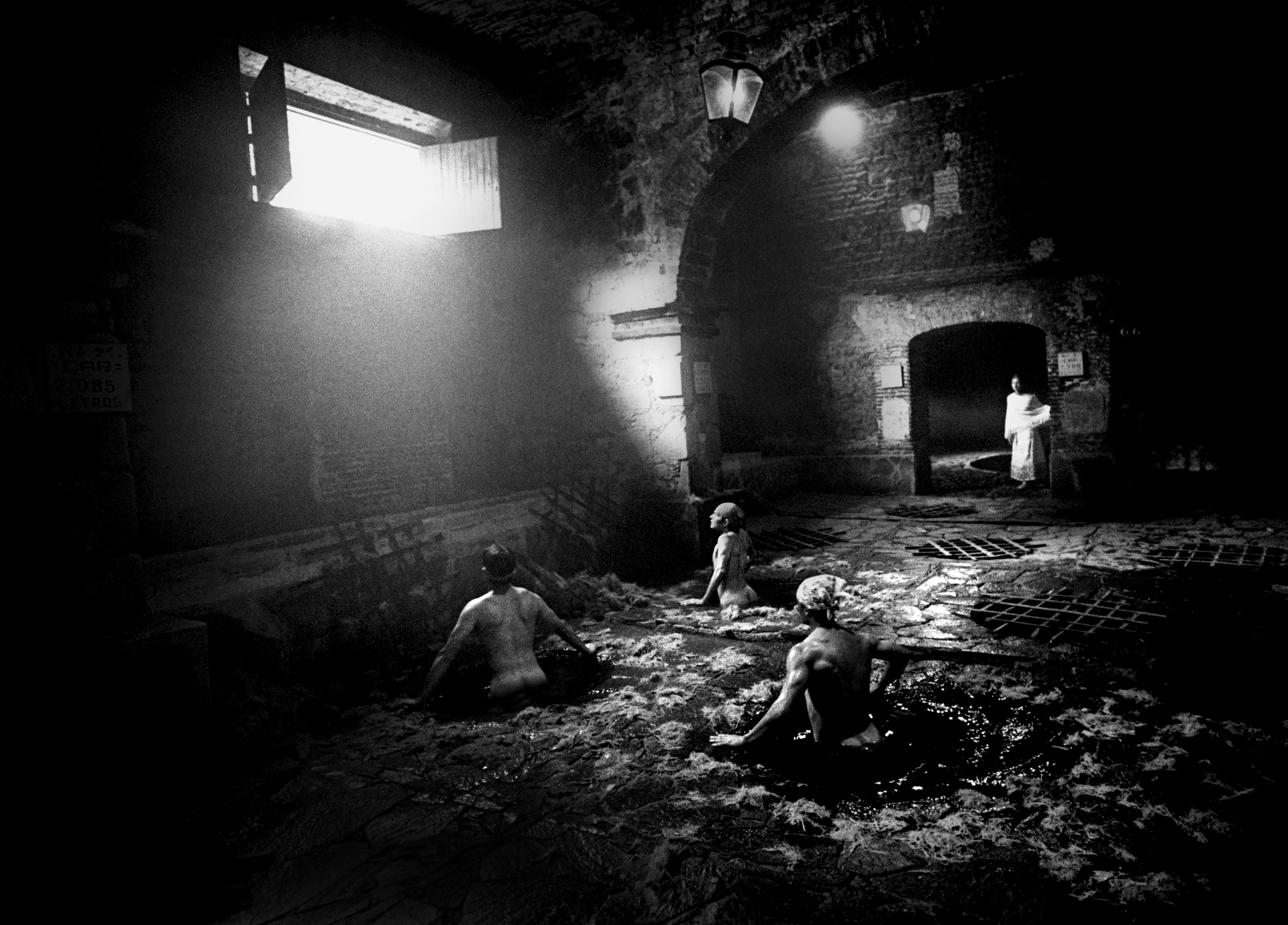 Tequila, Mexico. ©2009 Doug Menuez. At Fotokina a silver gelatin print of this image was hung next to an inkjet print made on Innova FibaGloss in a comparison test. Most photographers chose the inkjet print when asked to identify the silver print.